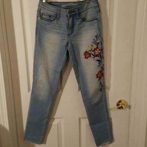 Universal Thread Embroidered Jeans